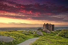 The beautiful cornish sky over Carn Brea Castle Graphic Design Projects, Graphic Design Inspiration, Cornwall, Monument Valley, Color Schemes, England, Sky, Castles, Beach