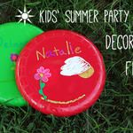 Decorating Frisbees for a Summer Party Craft