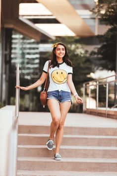 I'm a pretty simple gal and there's a only a couple types of shoes that I really need in the spring and summer: sneakers and sandals! Winter Fashion Outfits, Spring Summer Fashion, Autumn Fashion, Summer Outfits, Casual Outfits, Cute Outfits, Keds Sneakers, Vans Girls, All Smiles