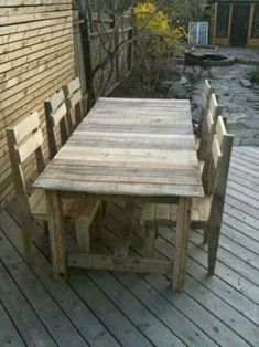 Pallet Table And Chairs.
