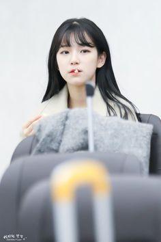 Cute Korean, Korean Girl, Aesthetic Fonts, Sketch Poses, Ulzzang Korea, 16 Year Old, Pop Group, Kpop Girls, Pretty Girls