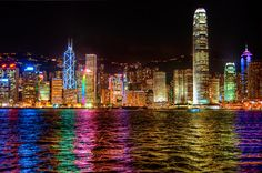 the hong kong skyline, what a sight for sore eyes. For the best view, watch from the Avenue of Stars!