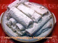 keto chocolate mug cake Greek Sweets, Greek Desserts, Greek Recipes, Greek Cooking, Different Recipes, Icing, Sweet Treats, Cooking Recipes, Cream