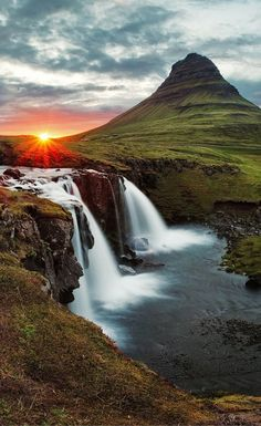 Kirkjufellsfoss waterfall! Click through to see 15 of Iceland's BEST waterfalls!