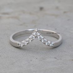 Color/Clarity: GH/VVS-VS (Near Colorless). It can be done in 925 Sterling Silver & 935 Argentium Silver. Silver Wedding Bands, Unique Wedding Bands, Wedding Sets, Solid Gold Jewelry, Rings For Her, Types Of Rings, Eternity Bands, Gold Bands, Moissanite