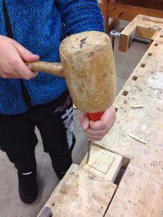 Teknisen työn taiturit - kiva blogi (alakoulun tn) Wood Crafts, Diy Crafts, Wooden Diy, Robot, Woodworking, Teaching, Robotics, Wood Turning, Woodworking Crafts