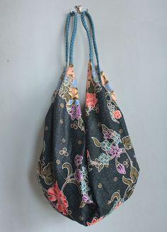 Elegant boho sling bag with Asian floral print by MESIMU on Etsy, $32.00