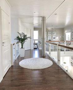 La imagen puede contener: mesa e interior Dream House Interior, Luxury Homes Dream Houses, Dream Home Design, Modern House Design, Home Interior Design, Dream House Plans, Dream Rooms, House Rooms, Design Case