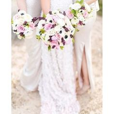 With so many beautiful florals around @layersoflovely transforms them all into wonderful bouquets!!! :camera::@j_annephotography. #bouquet #weddingbouquet #bouquets #bridalparty #bridesmaids #friendshipgoals #floral #weddingflowers #realwedding #luxurywe