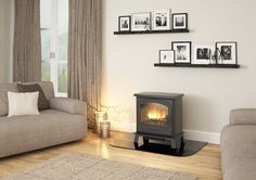 Enjoy the realistic flame effect to the full through the broad arched window of the HEREFORD 7 ELECTRIC cast door.