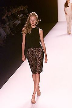 Michael Kors Collection Spring 2000 Ready-to-Wear Fashion Show - Liisa Winkler, Michael Kors Michael Kors Collection, Fashion Show Collection, Skirt Pants, Lace Skirt, Ready To Wear, Vogue, Formal Dresses, Spring, Skirts
