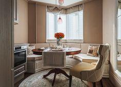 Klasszikus lakberendezés kétszobás lakásban - 52m2-es otthon klasszicista stílusban elegáns bútorokkal és dekorációval