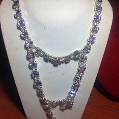 #collana in #cristalli #trasparenti e #metallo. Su www.oro18.eu #oro18 #bigiotteria #bijoux #jewelry