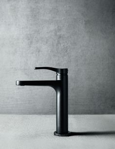 The Lissoni tapware collection, by world-renowned architect and designer Piero Lissoni, comes from a vocation of simplicity: simple in shape and easy to use, it recalls the basics of fountains and industrial engines, engineered to be practical, tactile and efficient. The design is clean, simple and elegant, and available in polished chrome, matt black and matt white. #mattblacktapware #bathroomideas #luxurybathroom Polished Chrome, Sink, Industrial, Cleaning, Shape, Bathroom, Elegant, Interior, Easy