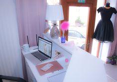 Top Tips And Advice About Desktop Computers Apple Online, Latest Laptop, Desktop Computers, Macbook Pro, Blush Pink, Flamingo, Boutique, Business, Interior