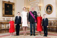 Het officiële portret van het gezin van koning Filip en koningin Mathilde. België 21-07-2013