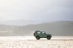 17 Photos That Will Make You Want A Land Rover Defender Heritage Edition - Airows Landrover Defender, Land Rover Defender 110, Defender 90, Adventure Car, Best 4x4, Beach Cars, Expedition Vehicle, Mens Gear, Land Rovers