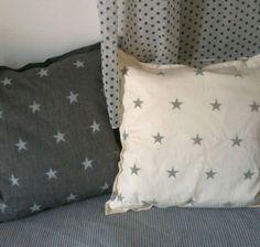 כרית אפורה עם כוכבים | כרית עם הדפס מקורי | כריות לעיצוב הבית