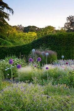 Fresh Ideas - English Gardens - Design & Landscaping Ideas (houseandgarden.co.uk)