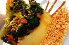 Purê de batatas / Espinafre refogado com calabresa / brócolis + couve flor gratinados com molho branco e parmessão / gergelim