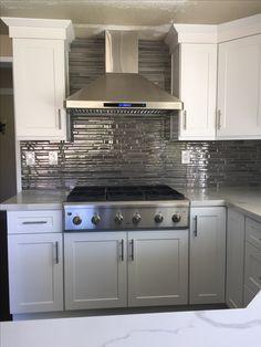 Strata Platinum Glass Stack Splash Bath And Kitchenette