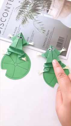 Wow, take your crafting to the next level with these amazing origami flowers at Go Origami. Origami is a good … Diy Crafts Hacks, Diy Crafts For Gifts, Paper Crafts For Kids, Diy Arts And Crafts, Creative Crafts, Cool Paper Crafts, Paper Crafts Origami, Paper Crafting, Fun Crafts