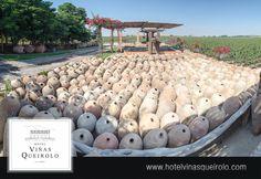 Vasijas de barro.  #Hotel #Viñedo, #Vineyard  #wine #winelover #Ica #Peru #Vino #Relax #Vacations #winelovers #uvas #uva #pisco