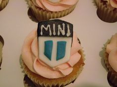 MINI COOPER Cupcakes Cake Designs, Cupcakes, Sugar, Cookies, Mini, Desserts, Food, Crack Crackers, Tailgate Desserts