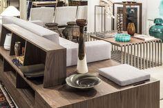 O sofá LISBOA, uma das novidades FGV Design, apresenta um comportamento multifacetado e marcadamente funcional. Os seus traços e tamanho conferem-lhe ainda mais protagonismo estético. Conheça o LISBOA na loja Pátria, e imagine-o na sua sala.