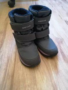 Ghetute de copii captusite marimea 28 AMPHIBIOX Firma: GeoX In conditii foarte bune Au costat la achizitie 500 lei Perfecte pentru zile geroase sau ploioase Safari, Sandals, Shoes, Fashion, Moda, Shoes Sandals, Zapatos, Shoes Outlet, Fashion Styles