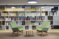 SLS - Snellmaninkatu 3krs. — KOKO3 Office Environment, Workplace Design, News Space, Contemporary, Modern, Finland, Bookcase, Furniture Design, Shelves