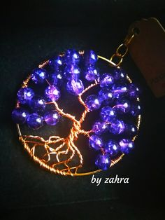 Beautifully Tree of Life.able to pendant or scarf brooches use. Tree Of Life, Brooches, Christmas Bulbs, Holiday Decor, Pendant, Beauty, Brooch, Christmas Light Bulbs, Hang Tags