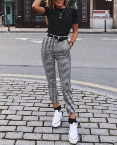 Outfits : Description UO Kaylee Split-Ankle Gingham Pant, white converse, black crop tee, tucked in tee, high waist skinny black belt Mode Outfits, Trendy Outfits, Best Outfits, High Fashion Outfits, Fashion Dresses, Fasion, Spring Outfits, Winter Outfits, Sporty Summer Outfits
