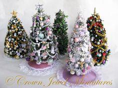 Christmas Barbie, Christmas Minis, Christmas Time, Miniature Christmas Trees, Christmas Tree Decorations, Bottle Brush Trees, Mini Things, Miniture Things, Xmas Crafts