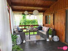 Jak urządzić drewniany taras? Moje sposoby na wyjątkowy klimat. - Twoje DIY Patio Gazebo, Pergola, Bahay Kubo Design, Bamboo House Design, Tiny House Loft, Village House Design, Front Porch Design, Outdoor Curtains, Tropical Houses