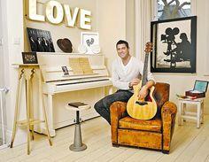 Sebastien Izambard in his home studio