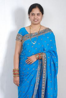Beautiful Women Videos, Beautiful Women Over 40, Beautiful Girl Indian, Bhabhi Pics, Girl Number For Friendship, Aunty In Saree, Indian Girls Images, Sexy Wife, Chubby Girl