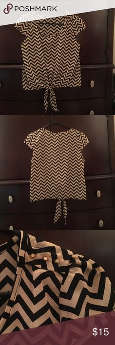 Cropped Top With Front Tie Looks brand new, super cute with stud detail on shoulders Charlotte Russe Tops Crop Tops