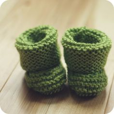 Luca boots : foldover newborn  #baby #boots #knit