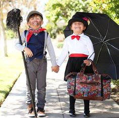 mary poppins - Only from Primary - Solid color kids clothes - No logos, slogans, or sequins - All un Costumes Halloween Disney, Baby Costumes, Halloween Diy, Halloween Couples, Zombie Costumes, Halloween College, Halloween Office, Group Halloween, Halloween Recipe