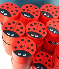 Google Image Result for http://craftsmumship.com/wp-content/uploads/2010/11/ladybird-lolly-boxes-together.jpg