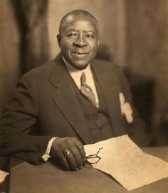 On May 5, 1905, Robert Sengstacke Abbott founded the Chicago Defender with an initial investment of 25 cents and a press run of 300 copies. Five years later, the Chicago Defender began to attract a national audience and had a major influence on the Great Migration, culture, and the struggle for civil and human rights.