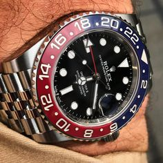 [Werbung/Ad] First Batch of Rolex GMT-Master II arrived today in Germany! Rolex Watches For Men, Best Watches For Men, Luxury Watches For Men, Cool Watches, Best Looking Watches, Web Design, Silver Pocket Watch, Rolex Gmt Master, Rolex Oyster Perpetual