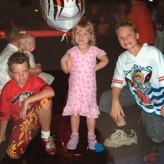 Throwback photo of a fetus Jack, Anna, and Conor Maynard! Conor legit looks the same as he does today just taller and more hair like what? Does he not age? Anna Maynard, Connor Maynard, Jack And Conor Maynard, Buttercream Squad, The Vamps, Sleepover, Baby Pictures, Youtubers, Christmas Sweaters