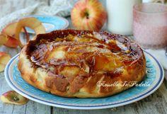 Torta di mele caramellata. Si prepara facilissimamente ed è il dolce ideale da…