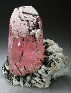 Beryl var Morganite with Albite