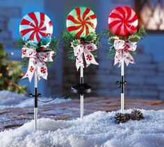 Set of 3 Solar Powered Color Changing Lights Christmas Peppermint Lollipop Candy Cane Bow Holiday Pathway Decor Garden Stake Lighted Marker Yard Outdoor Decoration Trio KNL Store Outdoor Candy Cane Decorations, Solar Christmas Decorations, Decorating With Christmas Lights, Paper Decorations, Holiday Decor, Christmas Yard, Christmas Scenes, Christmas Holidays, Christmas Ideas