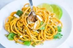 How to make our sweet potato noodles recipe with creamy homemade dairy-free avocado lime sauce. Creamy Avocado Sauce, Avocado Pasta, Vegetable Noodles, Zucchini Noodles, Garlic Recipes, Healthy Recipes, Vegetarian Recepies, Avocado Recipes, Lunch Recipes