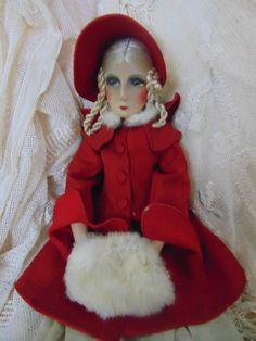 Vintage Puppen - Boudoir Puppe im roten Mantel - ein Designerstück von Montiem bei DaWanda