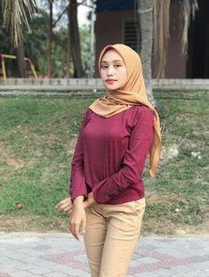 Casual Hijab Outfit, Hijab Chic, Hijabi Girl, Girl Hijab, Pirate Girl Tattoos, Arab Girls Hijab, Muslim Women Fashion, Hijab Fashionista, Indonesian Girls
